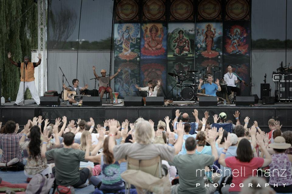 Kai Chi Do at Bhaktifest: Photojournal - Charles and the group